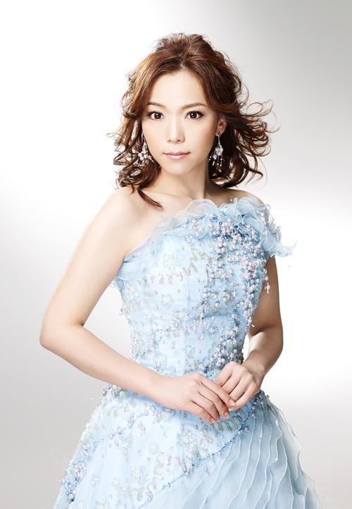 花咲ゆき美の話題作「冬の蛍」に続くニューシングルのタイトルは「風泣き岬」